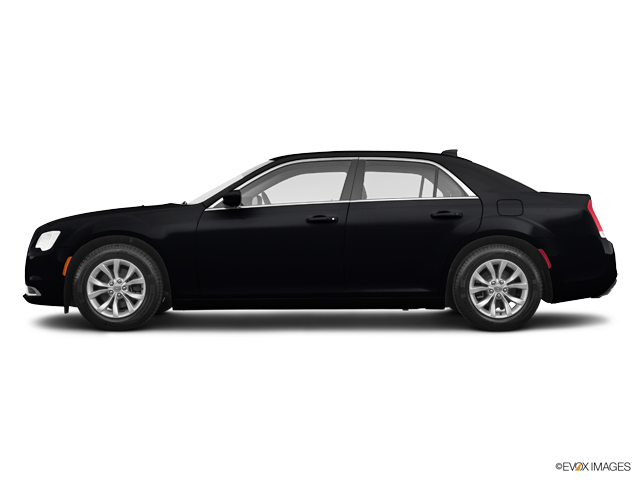 New 2019 Chrysler 300 in Pearl City, HI