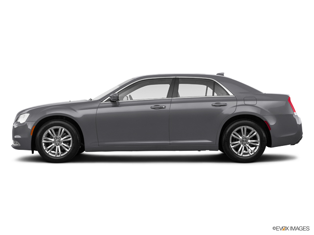 Used 2018 Chrysler 300 in Columbia, MO