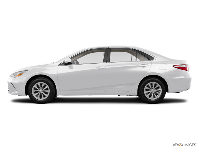 Used 2015 Toyota Camry Hybrid in Thousand Oaks, CA