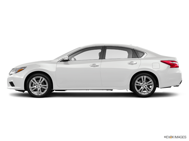 New 2017 Nissan Altima in Fairfield, CA