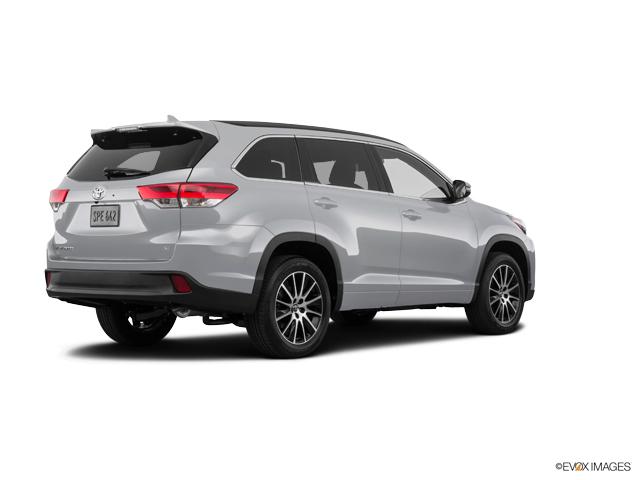 New 2019 Toyota Highlander in Iron Mountain, MI