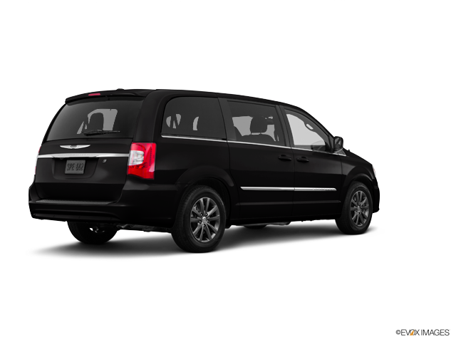 Used 2016 Chrysler Town & Country in Jersey City, NJ