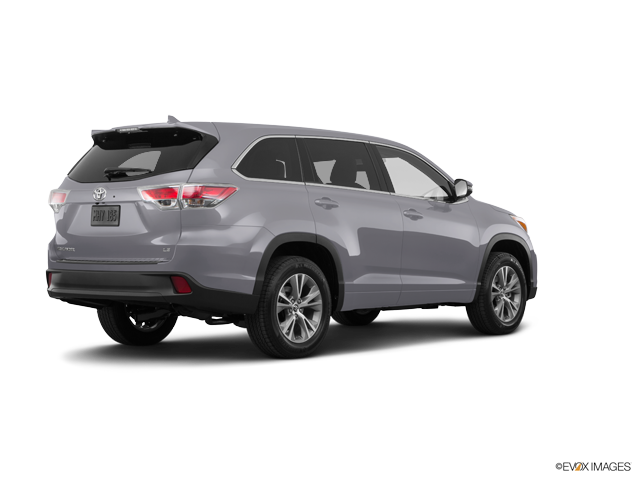 New 2016 Toyota Highlander in Fairfield, CA
