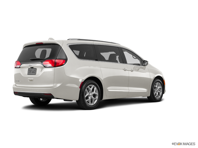 New 2017 Chrysler Pacifica in Fairfield, Vallejo, & San Jose, CA