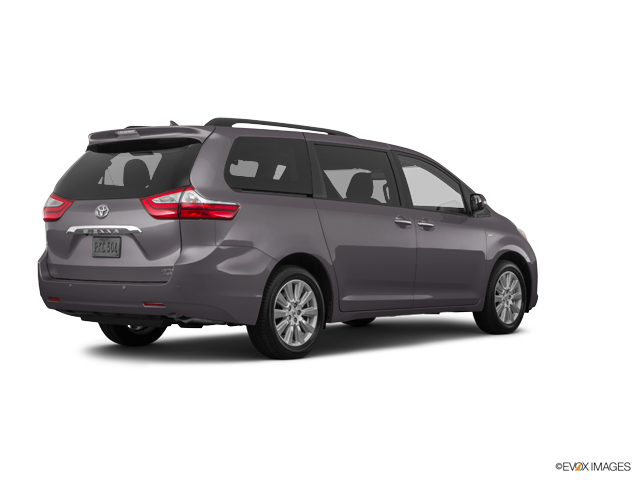 New 2017 Toyota Sienna in Fairfield, CA