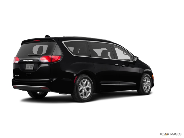 New 2018 Chrysler Pacifica in Placentia, CA