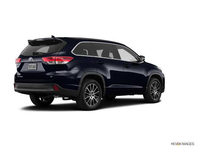 New 2018 Toyota Highlander in Cleveland Heights, OH
