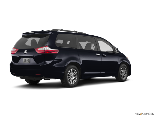 New 2018 Toyota Sienna in North Kingstown, RI