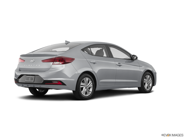 New 2019 Hyundai Elantra in Hemet, CA