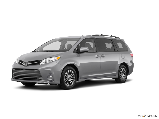 Used 2018 Toyota Sienna in Effingham, IL