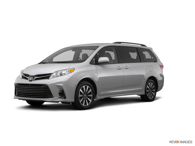 New 2019 Toyota Sienna in Cleveland, OH