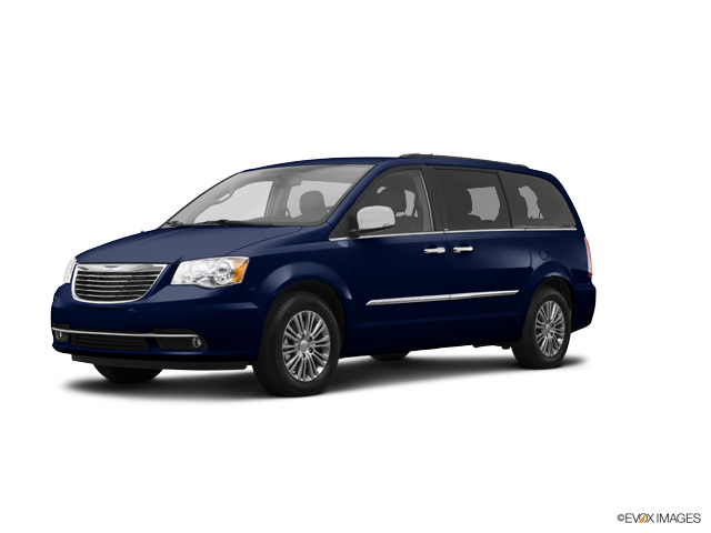 Used 2015 Chrysler Town & Country in , WI