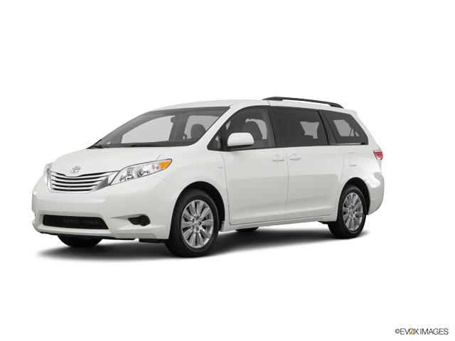 New 2017 Toyota Sienna in Poway, CA