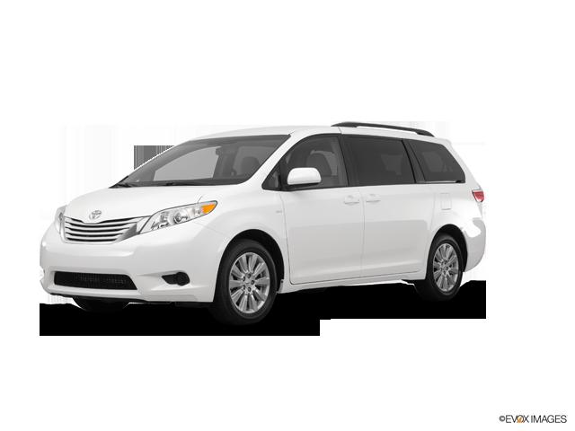 New 2017 Toyota Sienna in Hempstead, NY