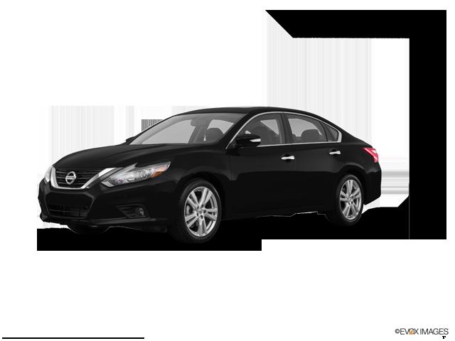 Used 2017 Nissan Altima in Mason City, IA