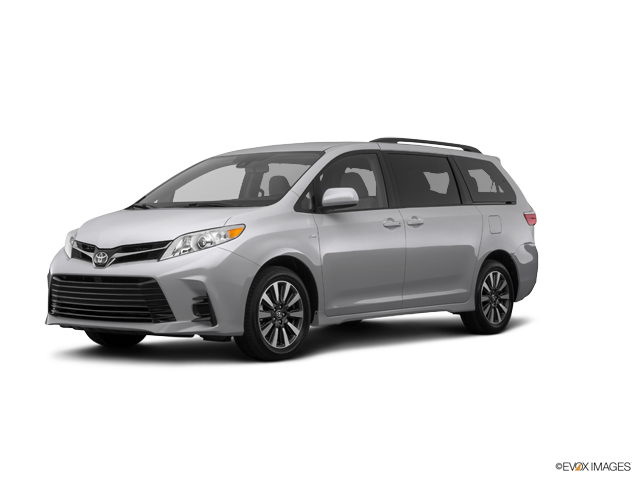New 2018 Toyota Sienna in Cleveland, OH