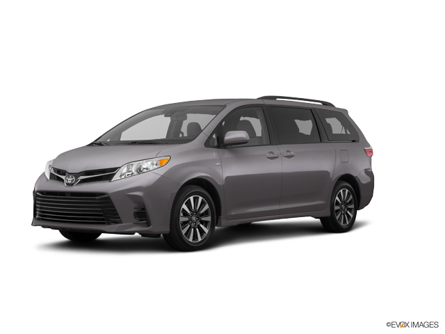 New 2018 Toyota Sienna in Aurora, CO
