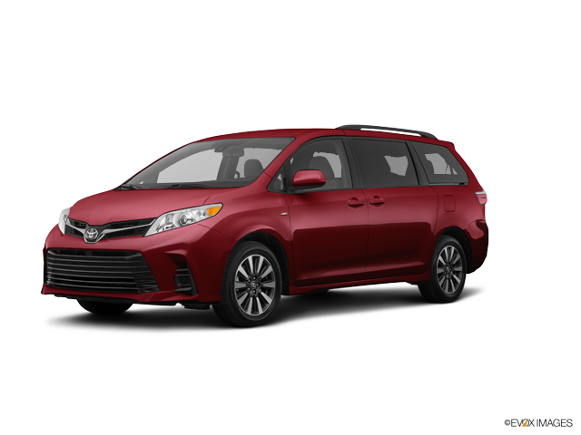 New 2018 Toyota Sienna in Middletown, CT