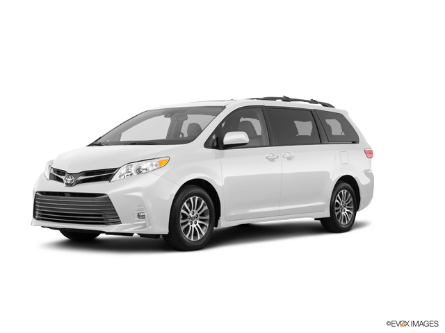 New 2018 Toyota Sienna in Westminster, CA