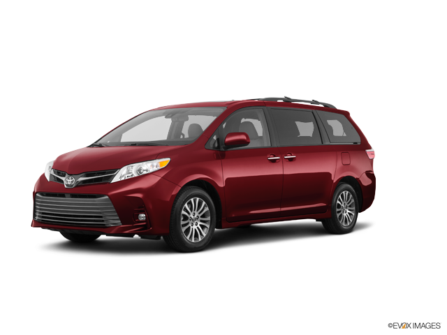 New 2018 Toyota Sienna in Hempstead, NY