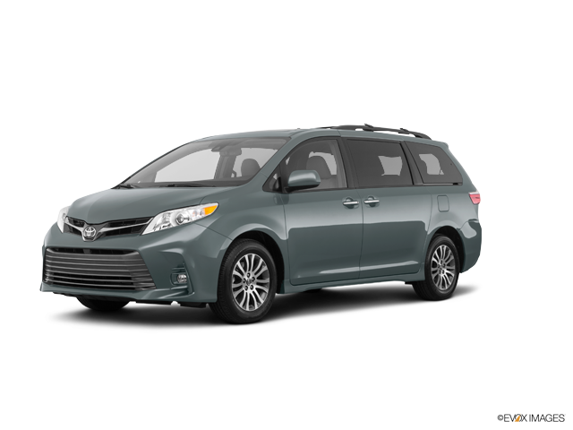 New 2018 Toyota Sienna in Cleveland Heights, OH